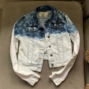 Acid wash women's jean jacket - never been worn